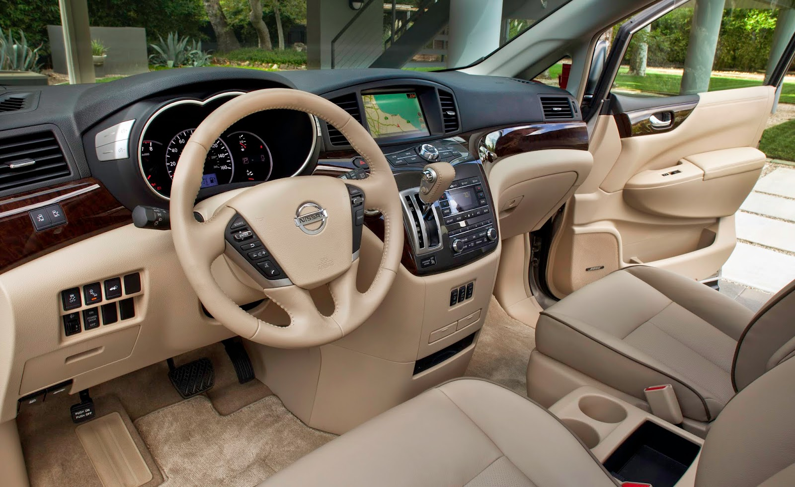 Interior view of 2014 Nissan Quest