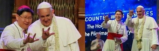 "Papa Francisco diciendo ""te amo"" en lenguaje de señas a un conjunto de sordomudos"