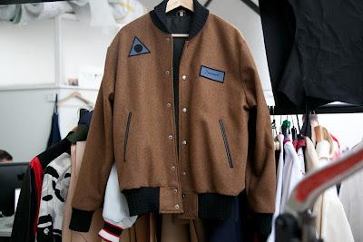 http://1.bp.blogspot.com/-Fup9azIhz1s/ULTwEepMTUI/AAAAAAAAESA/jVRfNzMU9R8/s400/House+of+Billiam+jacket.jpg