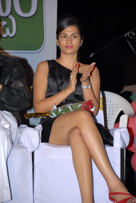 shraddha das new at mem vayasuku vacham movie audio launch unseen pics