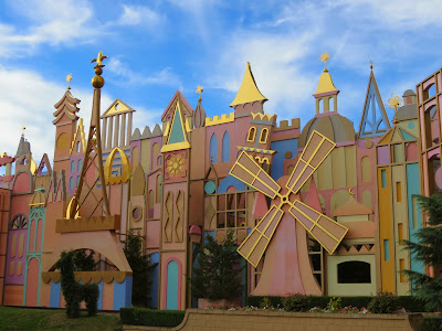 It's A Small World in Fantasyland at Disneyland Paris www.thebrighterwriter.blogspot.com