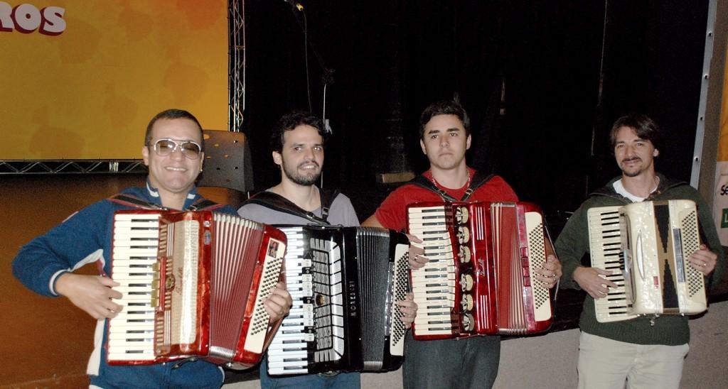 Oficina de Acordeão: Cândido Neto, Marcelo Caldi, André Gandra e Alex Wey na oficina de acordeão