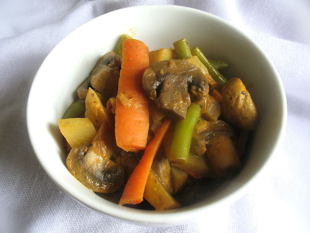 Mixed Vegetables in a Basic Ethiopian Kulet Sauce