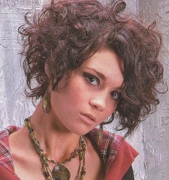 decidete por uno de estos nuevos estilos y espero les guste y les sirva de mucho las fotos de estos modernos y elegantes cortes de pelo rizado que les dejo