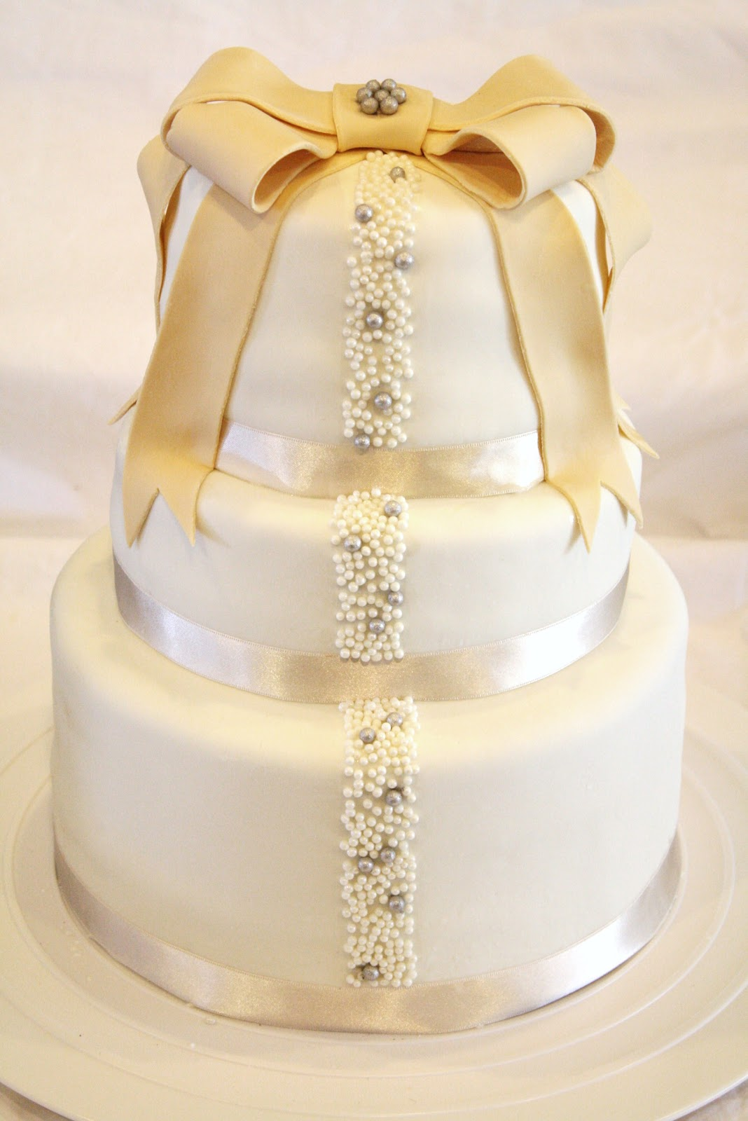 Sweet & Sassy Cakes Ivory and Pearl Wedding Cake