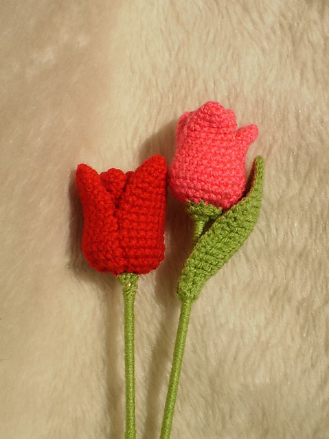 Amigurumi Flower Pattern Free : 2000 Free Amigurumi Patterns: Free tulip crochet pattern