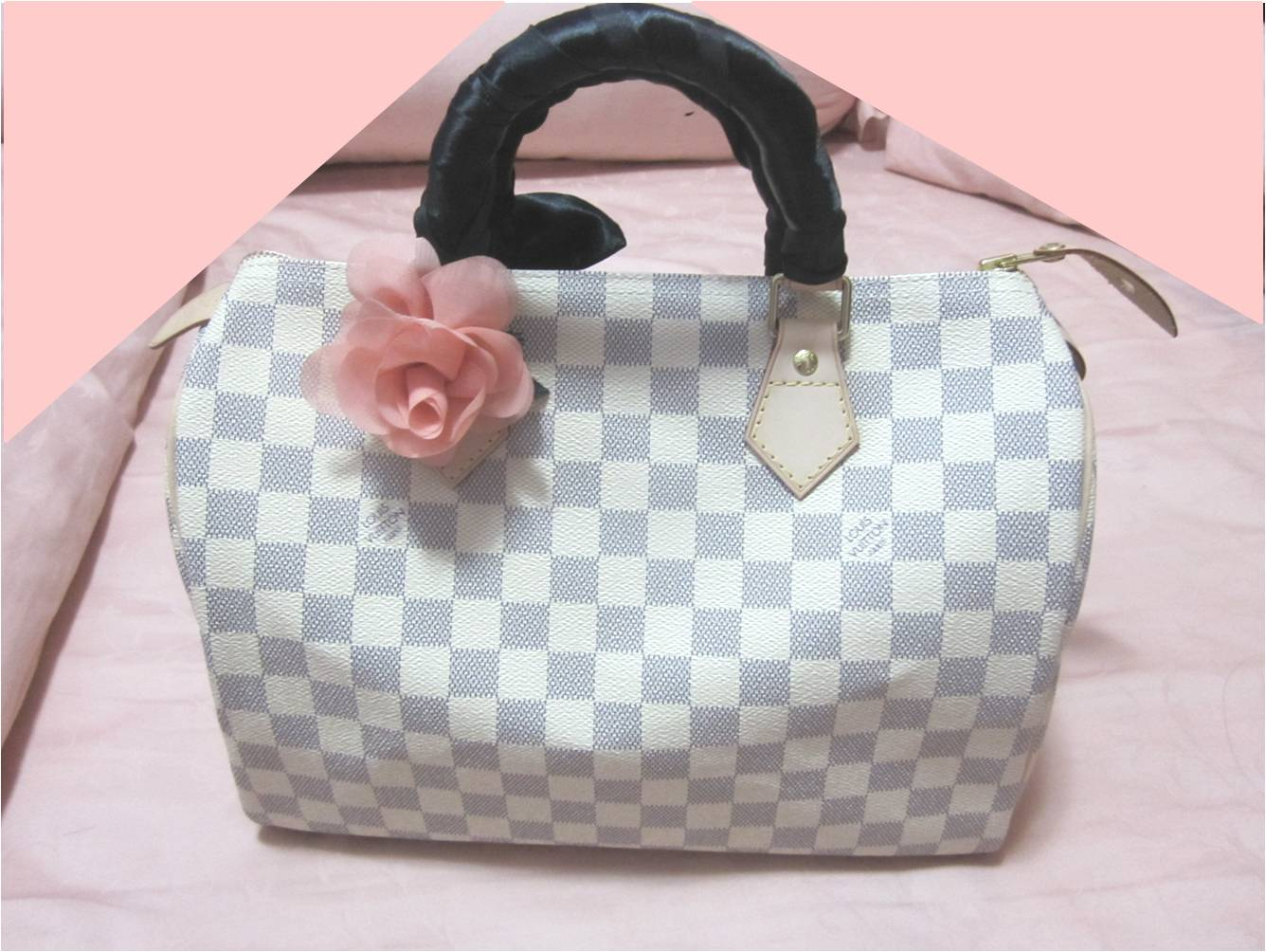 Style up your bag for a different look every dayor even to cover