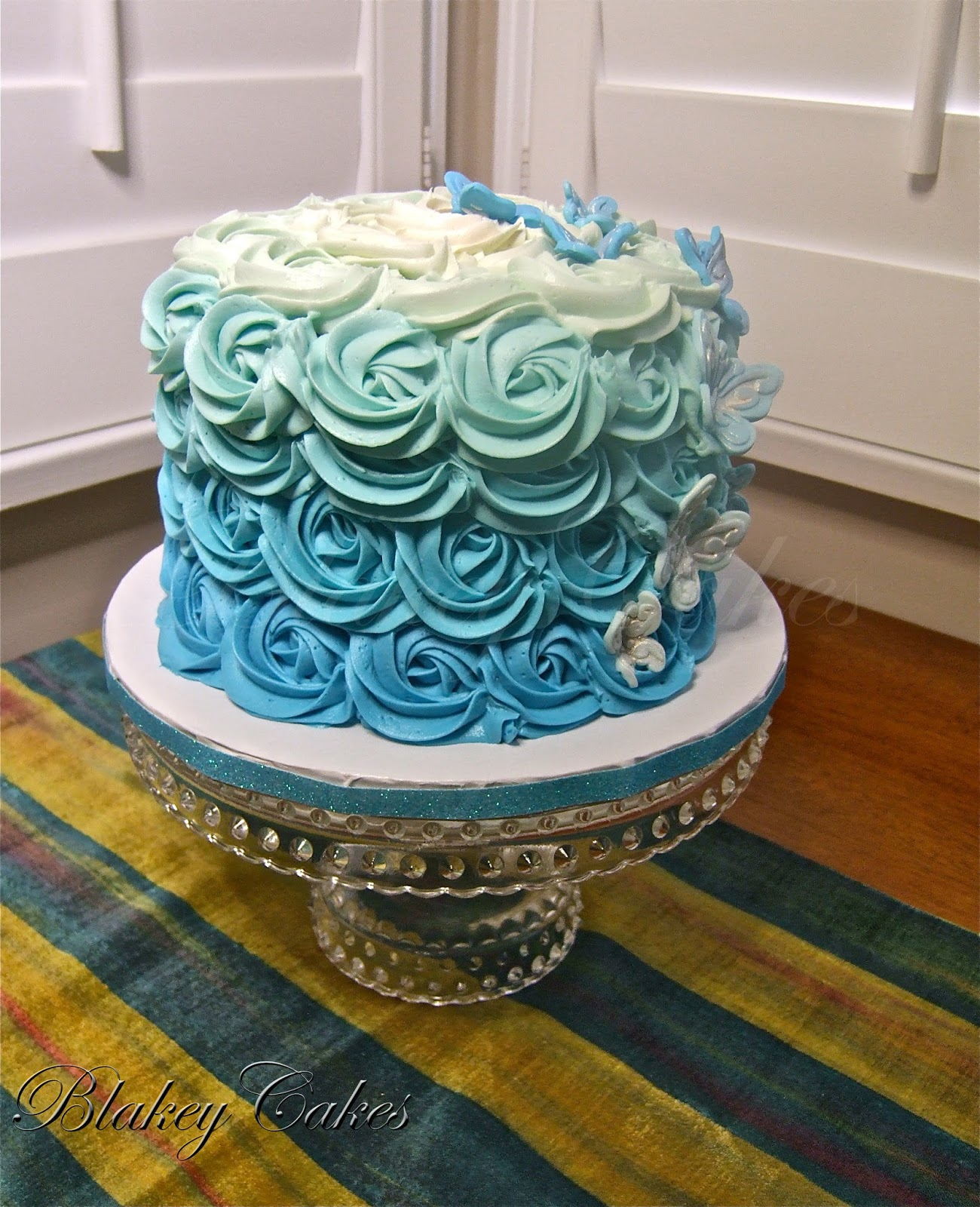 Blue Ombre Cake Images : BlakeyCakes Cakes & Cupcakes: Blue Ombre Cake
