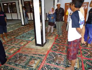 masjid bergeser sendiri