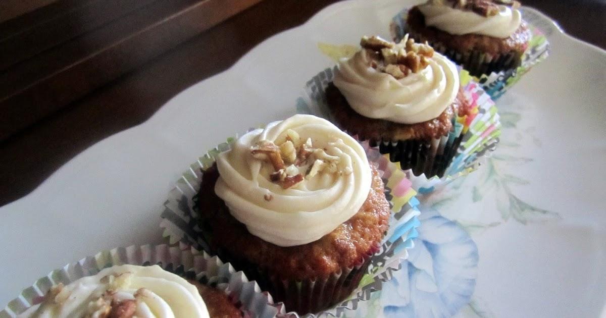the bear cupboard hummingbird cupcakes with cream cheese