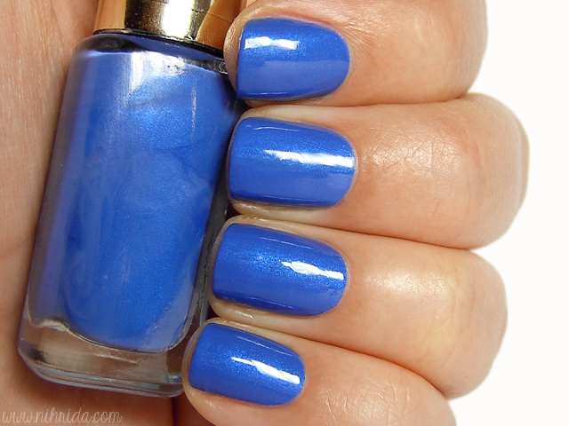 L'Oreal Color Riche in Rebel Blue