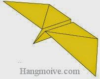 Bước 8: Hoàn thành cách xếp con bướm biết bay bằng giấy.