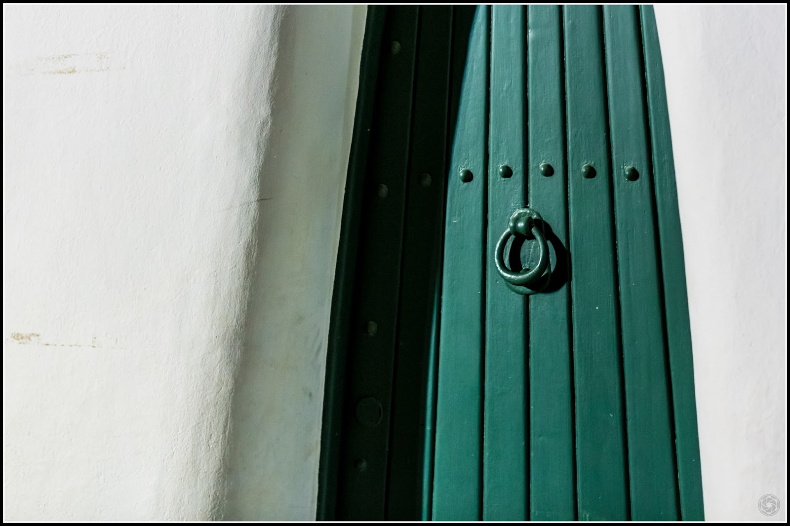Puerta :: Canon EOS 5D MkIII | ISO3200 | Canon 85mm | f/2.8 | 1/50s