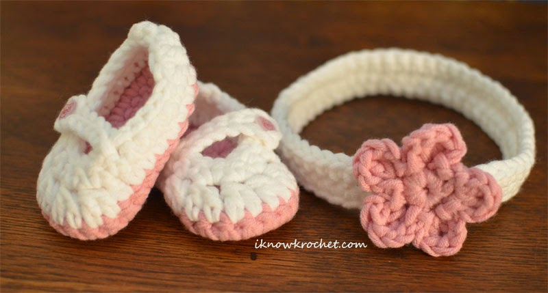 booties next to headband - bulky yarn