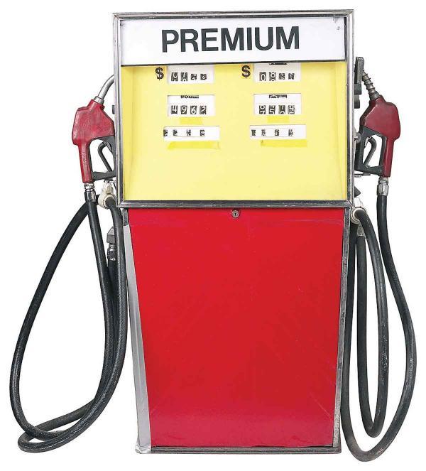La instalación por la refinación de petróleo en la gasolina
