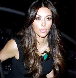 Kim Kardashian Hot Photos at Nobu Restaurant 21 Feb