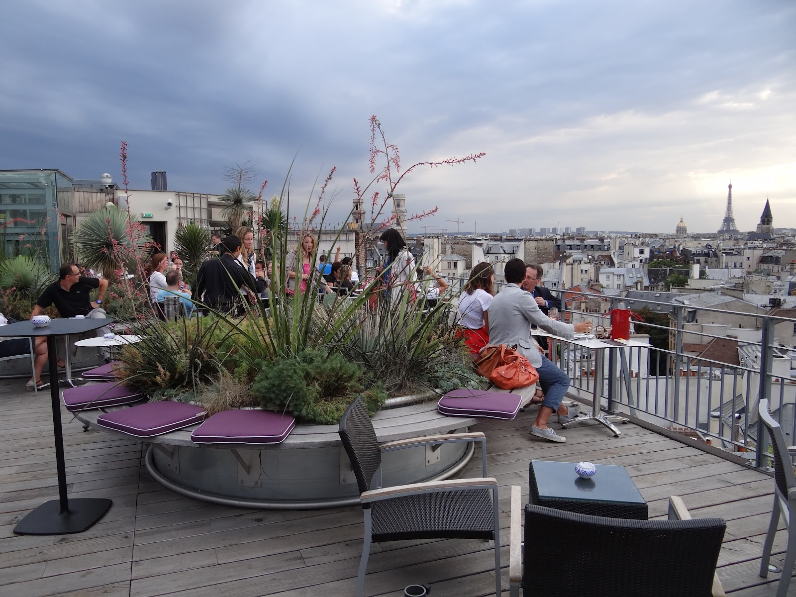 Terrasse avec vue sur paris 43 up the roof bons plans Terrasse vue paris