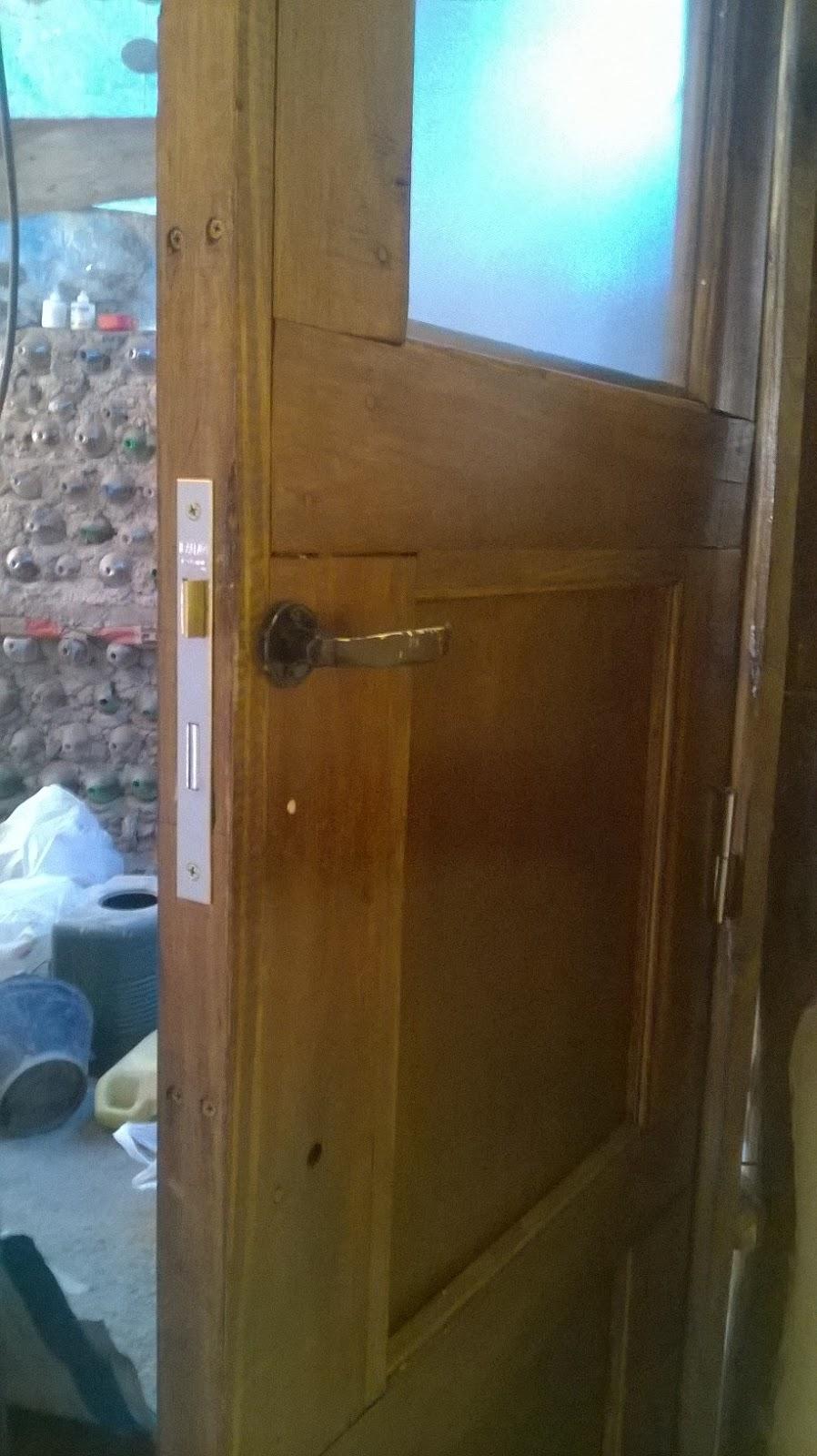 Navesierra ba o puerta for Cerradura para puerta de bano