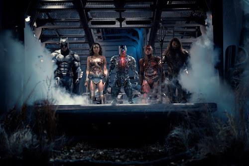 Liga da Justiça - Liberada nova imagem com os membros da equipe
