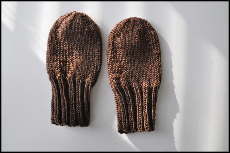 Knitting Pattern For Baby Mittens Without Thumb : Sadun langoilla: October 2011