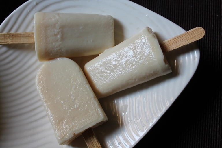 Easy Milk Popsicles Recipe / Paal Ice Recipe / Kuchi Ice Recipe