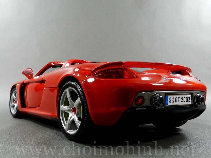 Porsche Carrera GT 1:18 Maisto back