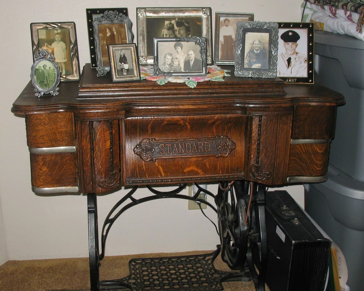 1000 Images About Repurposed Vintage Treadle Sewing Machine On Pinterest Vintage Sewing