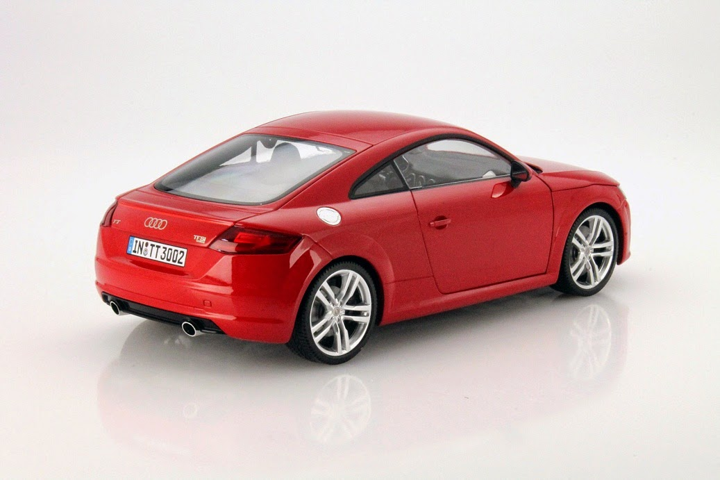 tango tanzen mit dem tt audi tt von minichamps in 1 18. Black Bedroom Furniture Sets. Home Design Ideas