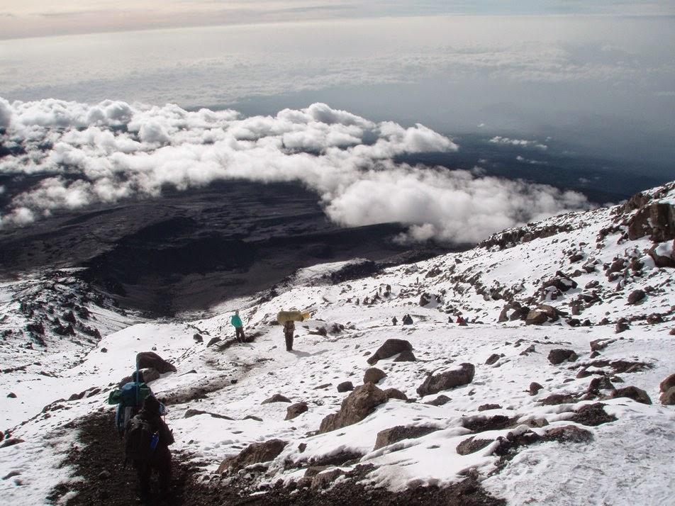 Iniciando-el-descenso-del-monte-kilimanjaro
