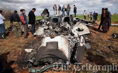 Destroços do F-15E.