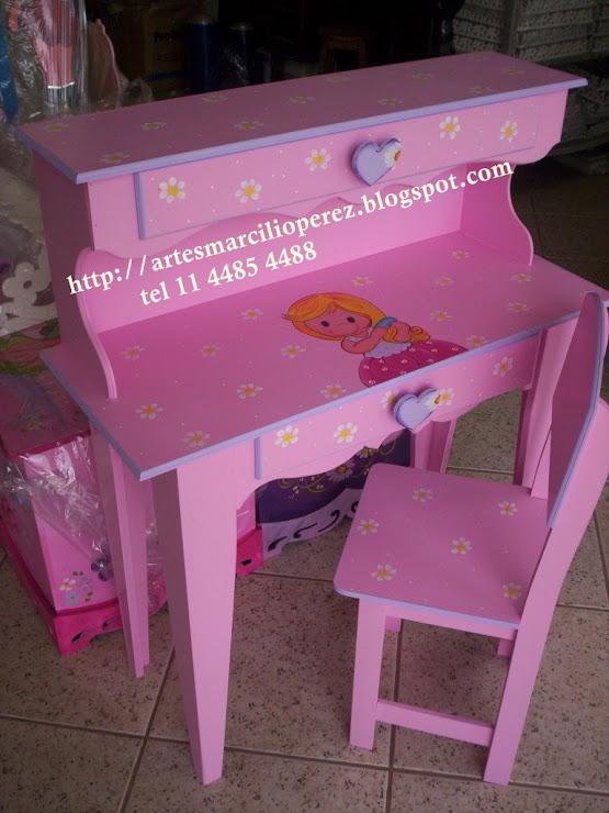 Escrivaninha grande R$ 250,00