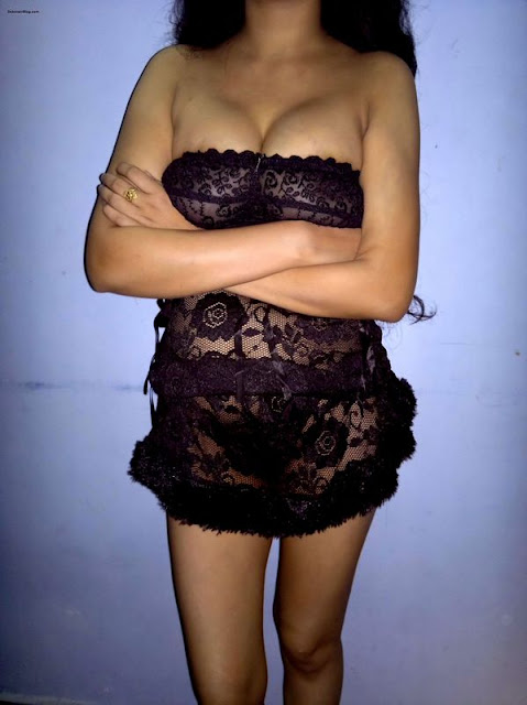 Image:Hot Marwadi Bhabhi and Girls Pics-big boobs deep cleavage in black dress