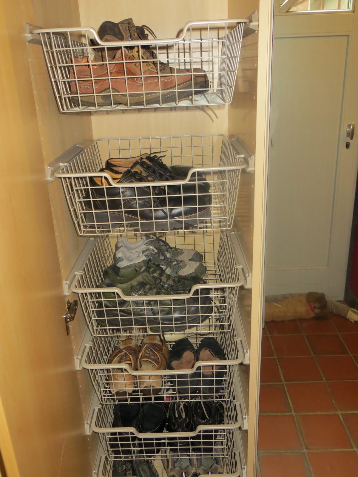 Huisje opruimen stap voor stap dag 8 de vestiairekast en schoenrekje als toemaatje - Schilderen voor entree en hal ...