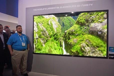 TV 8K 3D không cần kính lớn nhất thế giới với kích thước 110 inch.