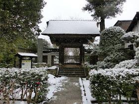 雪の極楽寺