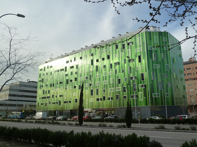 Santamarta arquitectos el edificio verde del ensanche de - Ensanche de vallecas ...