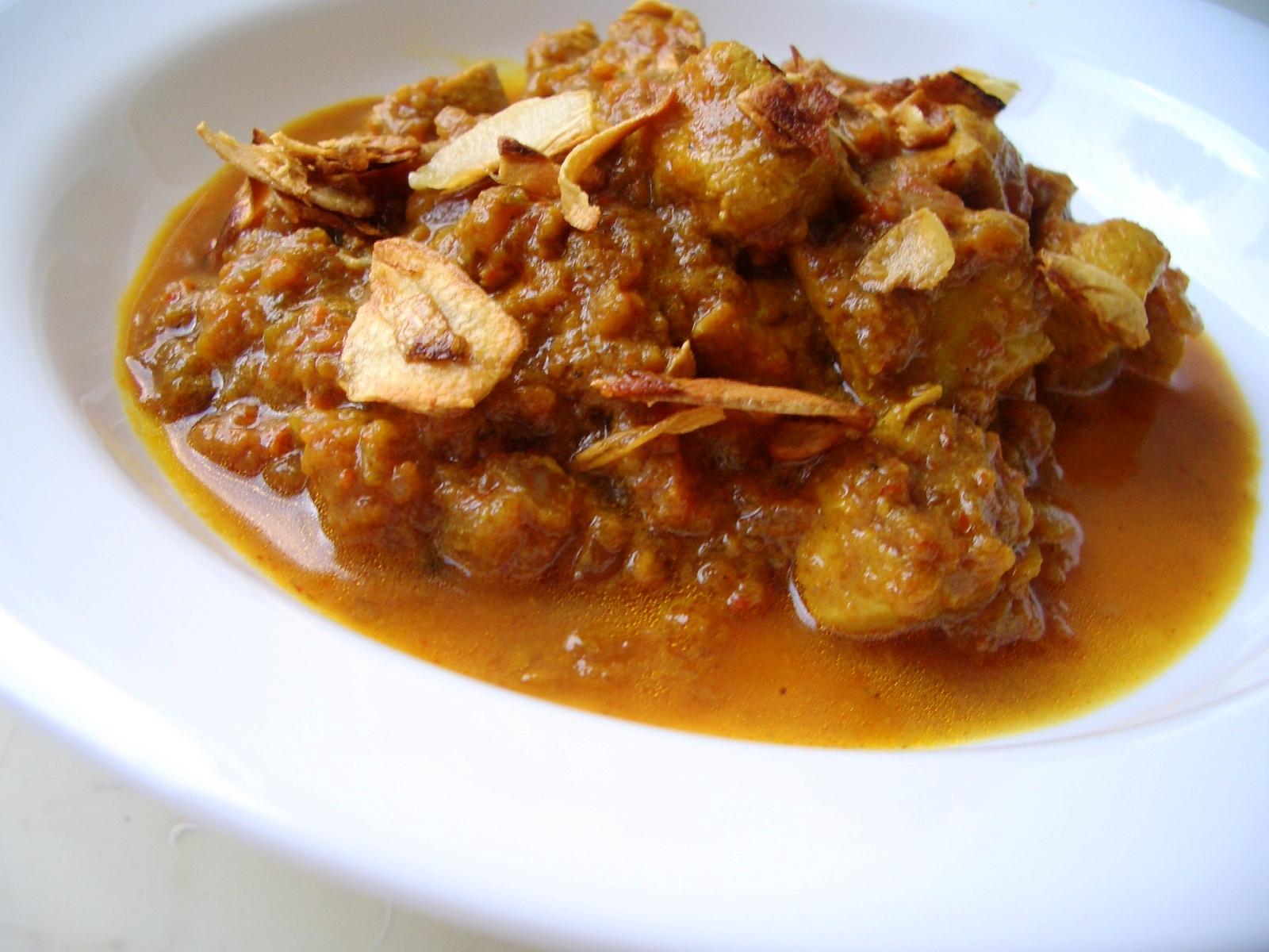 Patel Brothers: Garlic Chicken Curry