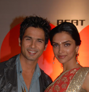 Deepika Padukone and Shahid Kapoor together at Apsara Award