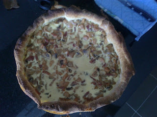 Quiche de pollo, bacon y champiñones