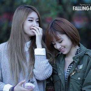 Foto T-ara Eunjung dan Jiyeon di Inkigayo Mini Fan Meeting