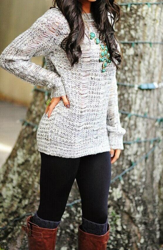 Amazing Hang Woven Long Sweater with Black Leggings