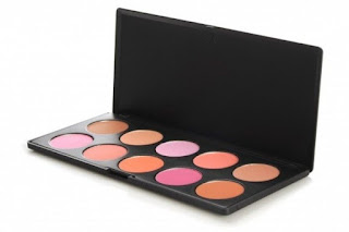 http://www.clarastevent.com/2015/11/how-to-keep-your-beauty-supplies-germ.html