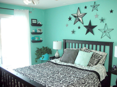 Ideas for bedrooms stars in black and turquoise for Turquoise wallpaper for bedroom