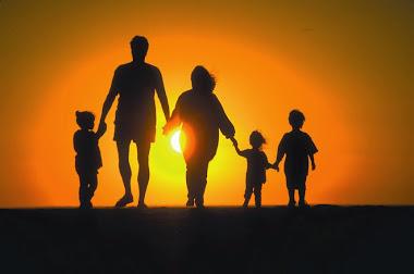 La familia ideal: Papa, mama e hijos.
