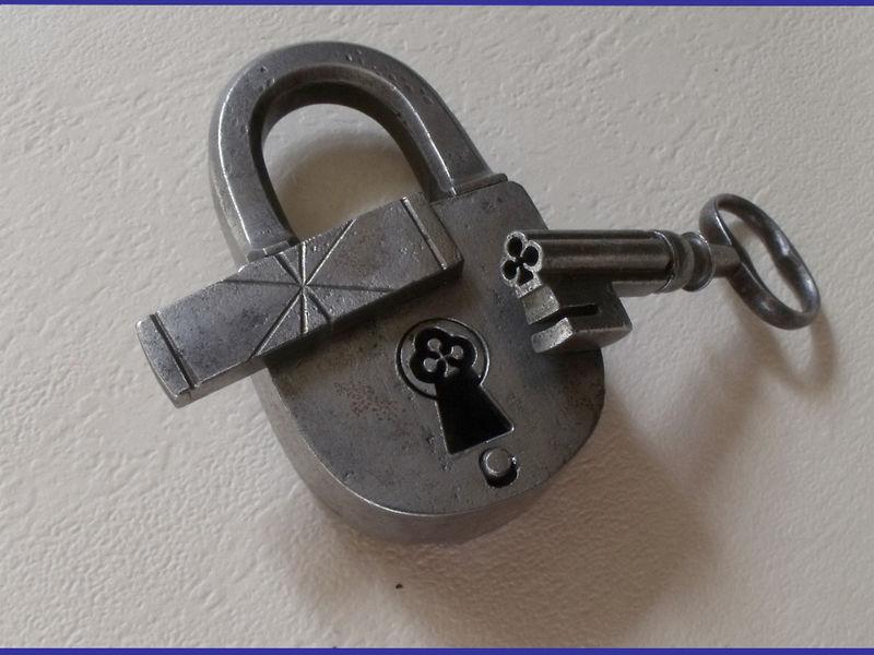 Restraintsblog antique french secret padlock 18 19th century for 18th key of the door