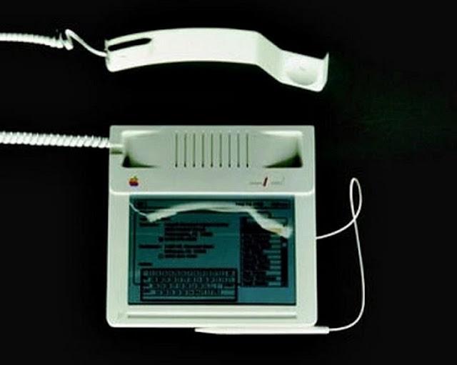 أول آي فون تطلقة شركة آبل  عام 1983