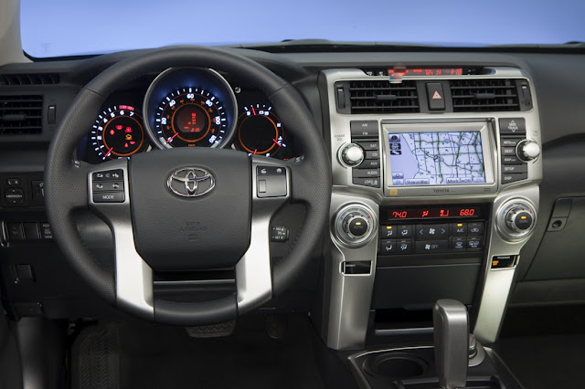 Interior Toyota 4Runner 2012