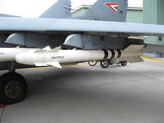 R-73 (AA-11 Archer)
