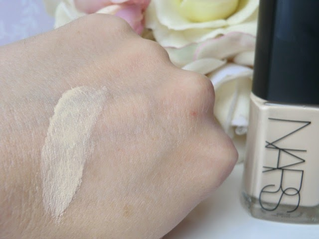 NARS Sheer Glow Foundation Gobi swatch