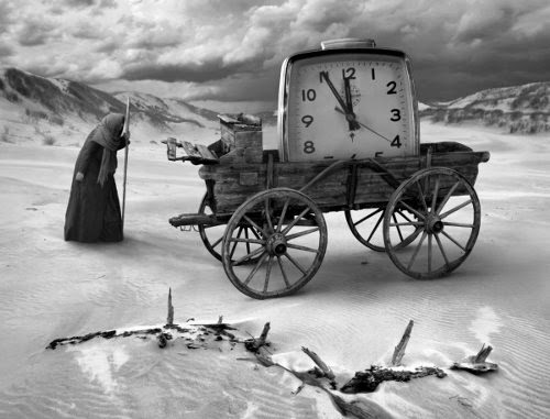 00-FB-Dariusz-Klimczak-Black-and-White-Surreal-Altered-Reality-www-designstack-co